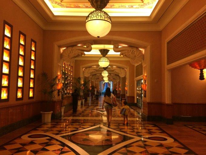 atlantis the palm lobby