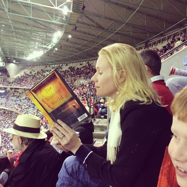 reading at game