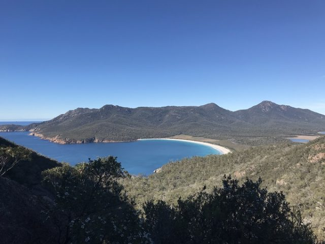 family travel guide to wineglass bay