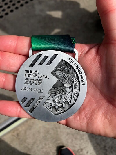 2019 melbourne marathon half marathon medal